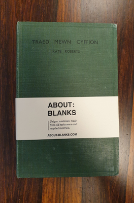 About Blanks Notitieboek Traed Mewn Cyffion
