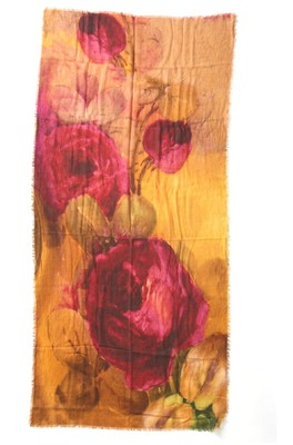 Otracosa shawl rose red flowers