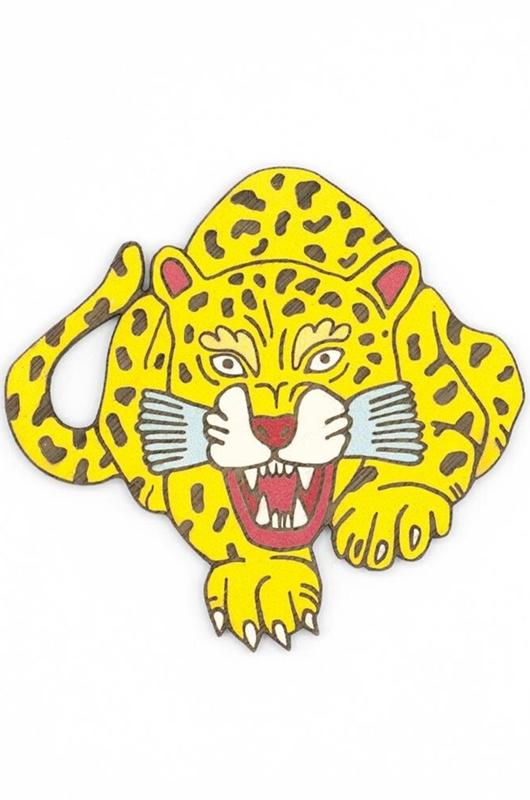 Materia Rica broche hunting leopard