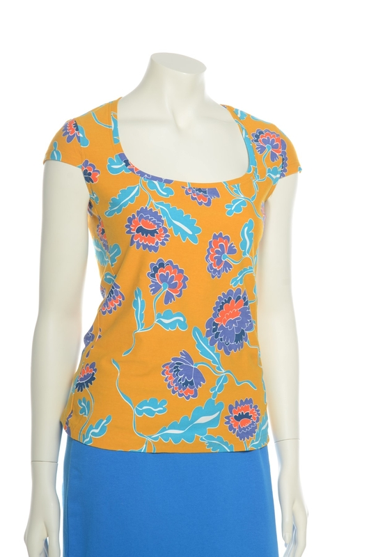 Bakery Ladies t shirt big flower amber